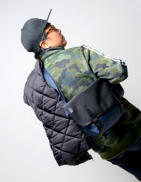 新色含め6色で登場!Pacer Messenger Bag!