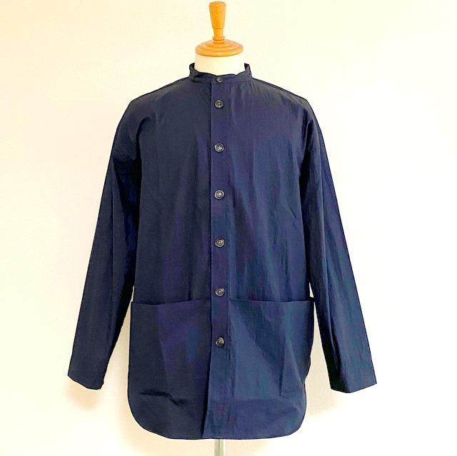 大きめのポケットが特徴的なAラインコート